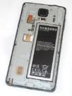 Rückseite mit Akku, micro SD-Card und micro-Sim